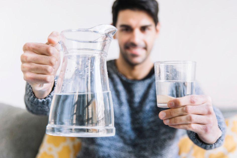 روزانه چقدر باید آب بنوشید؟
