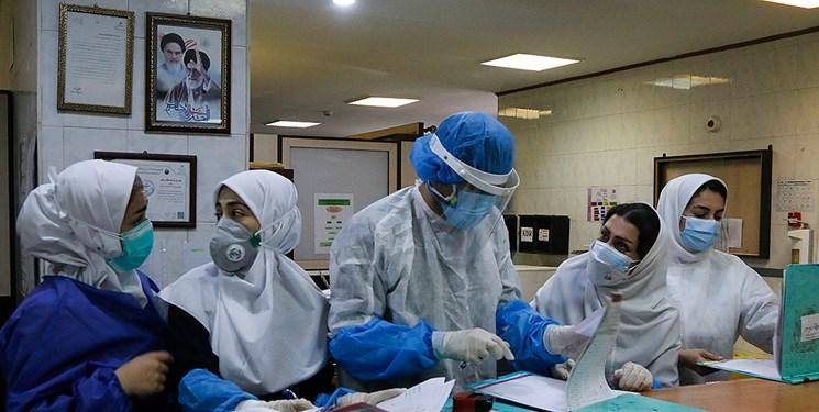 پزشکان بخش خصوصی مشهد پای کار مراکز دولتیِ واکسیناسیون و درمان کرونا آمدند